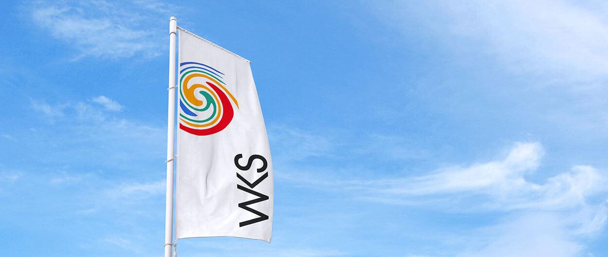 WKS-Gruppe-Druckholding-Druckerei-Header-Fahnenmast-Logo